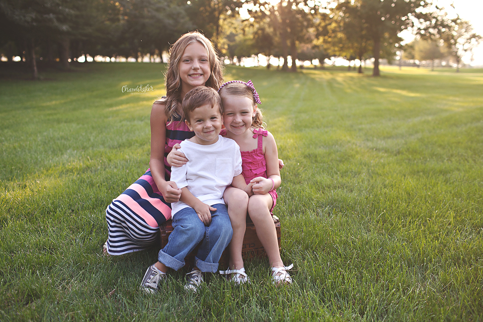 Champaign Illinois Family Child Photographer  -  sibling photos