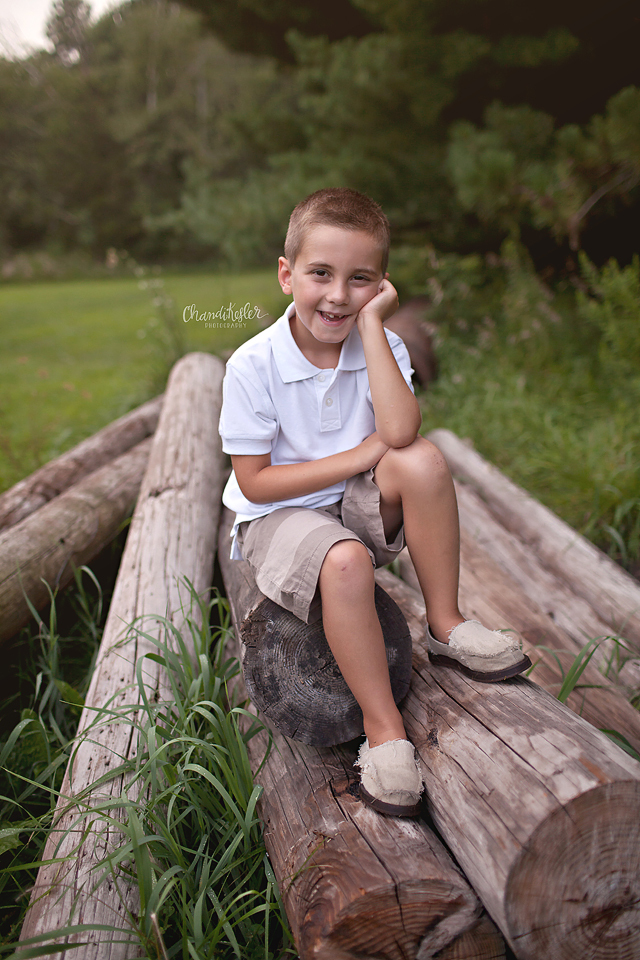Mahomet Illinois Family Photographer - child session poses