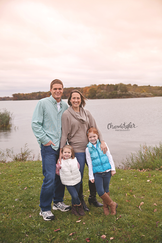 Bloomington IL Photographer - Family of 4 posing