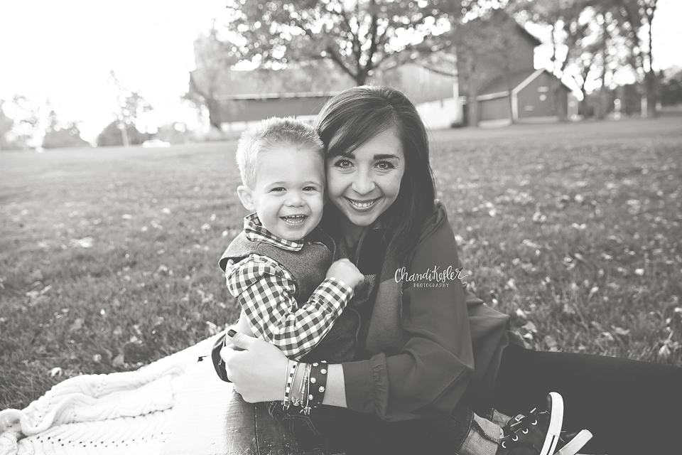 Bloomington IL Photographer  - Family of 3