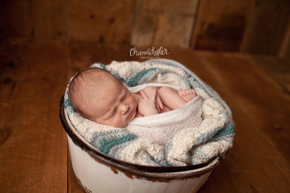 Newborn Prop poses - Chandi Kesler Photography