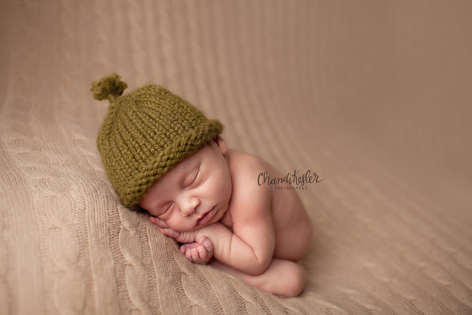 Photographer Champaign IL | Newborn Photography | Beanbag Pose  | Chandi Kesler Photography