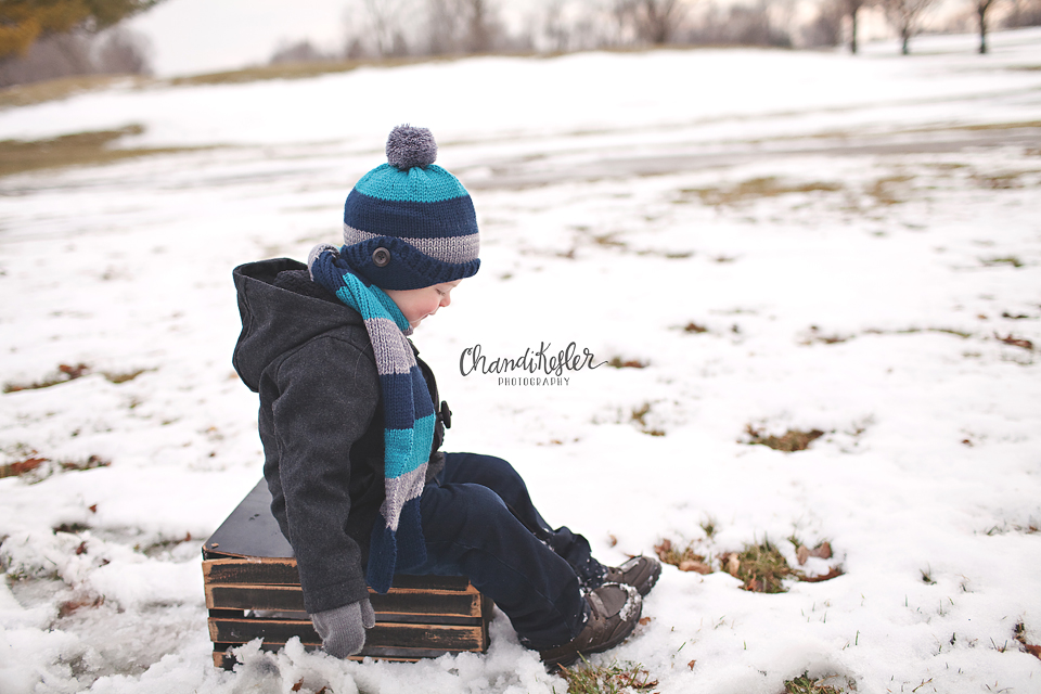 Savoy Photographer | | 3 Year Old Snow Session | Crestwicke Golf Course | Chandi Kesler Photography