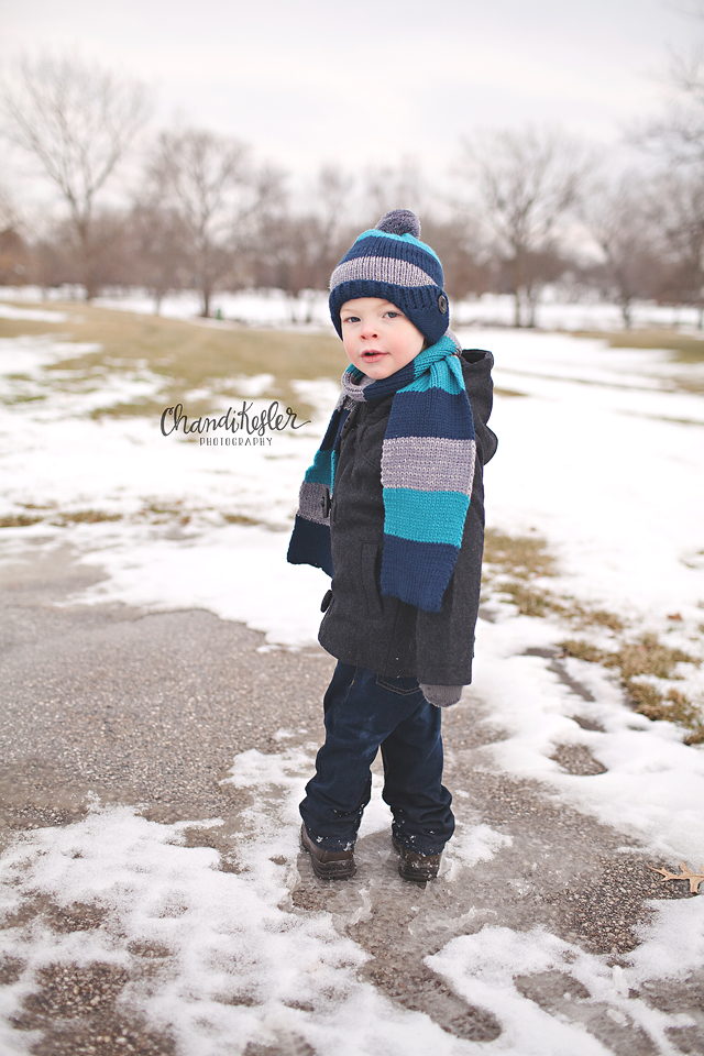 Savoy Photographer     3 Year Old Snow Session   Crestwicke Golf Course   Chandi Kesler Photography