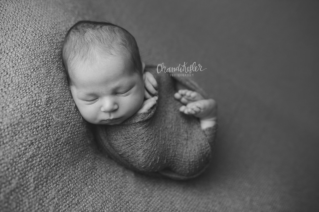 Newborn Photographer Clinton IL | Newborn Wrap Pose | Chandi Kesler Photography