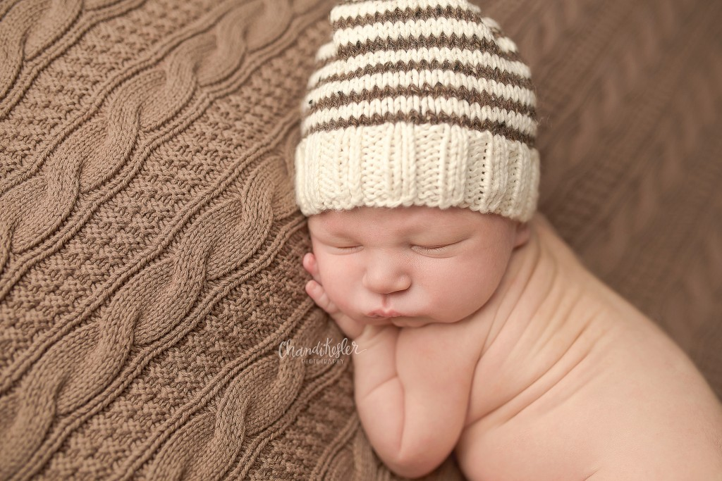 Newborn Photographer Clinton IL | Tushie Up Pose | Chandi Kesler Photography