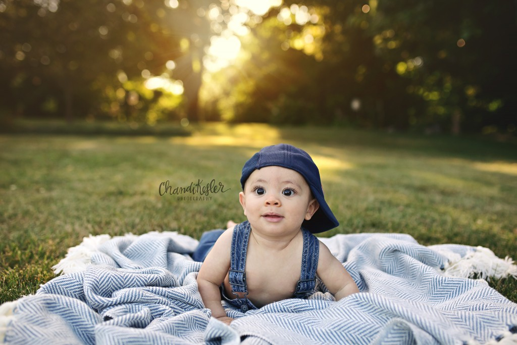 6 month outdoor baby session | Urbana IL Photographer | Chandi Kesler Photography