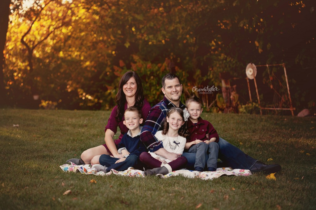 family of 5 photo poses | fall child photos | Kankakee IL Photographer