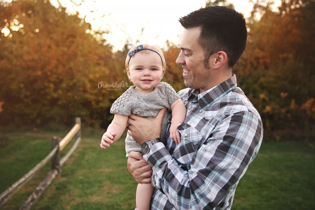 1 year family session | family of 3 photos | Fairbury IL Photographer