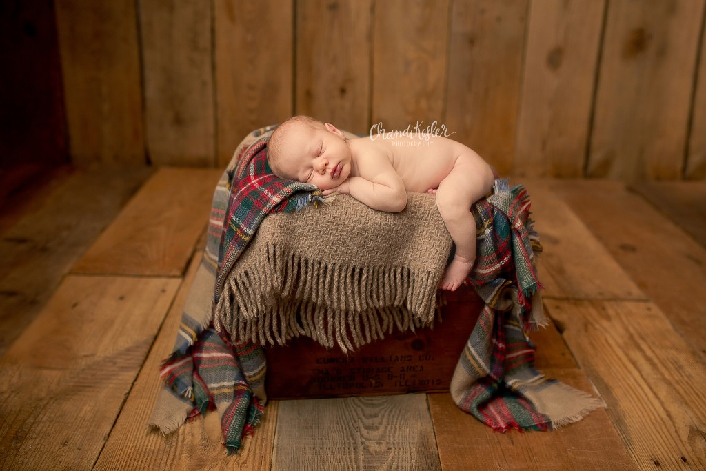 Morton iL Photographer | Newborn in prop posing | Chandi Kesler Photography
