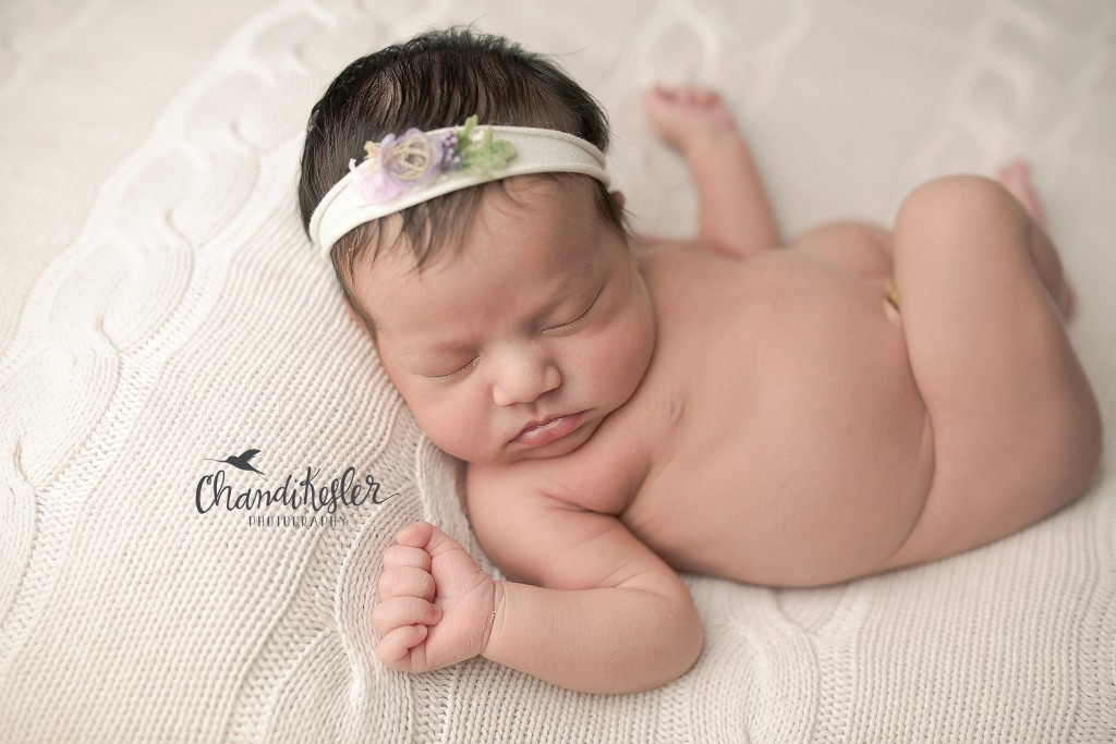 Huckleberry Baby headbands | Chandi Kesler | Best Central IL Newborn photographer