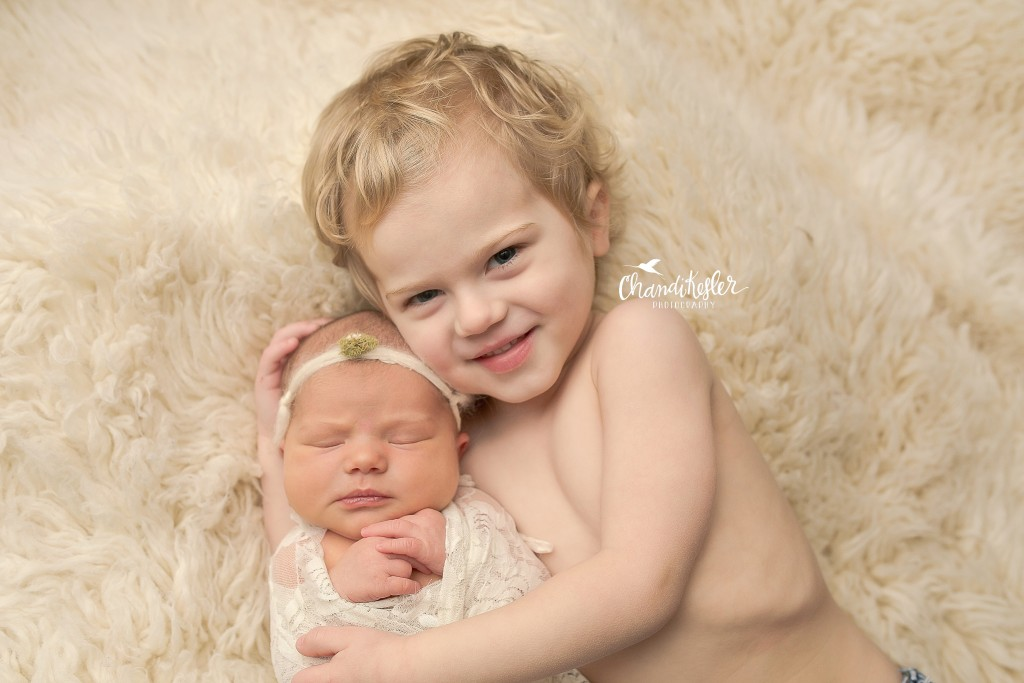 Chillicothe IL Newborn Photographer | Newborn Girl Session | Sibling Newborn Pictures
