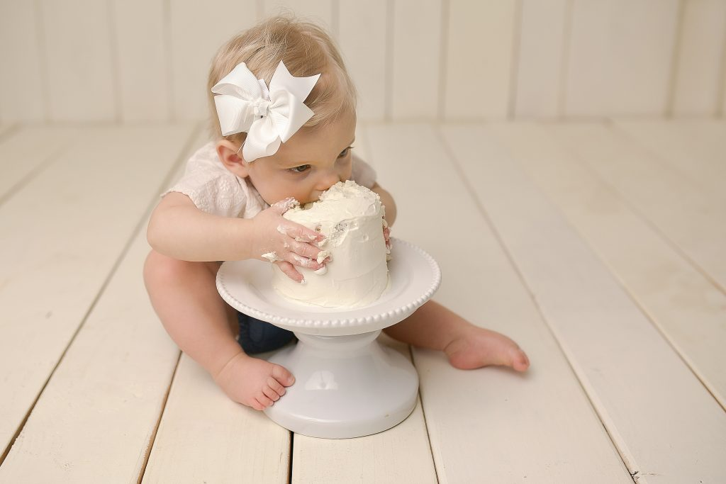 Cake smash ideas | Bloomington IL Photographer | Chandi Kesler Photography | Baby Photographer Mackinaw IL