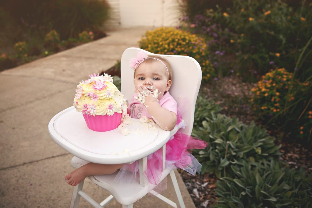 Cake smash ideas | Bloomington IL Photographer | Chandi Kesler Photography | Baby Photographer Champaign IL