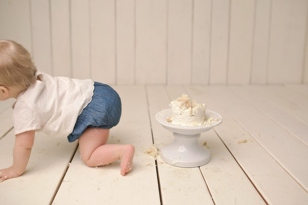 Cake smash ideas | Bloomington IL Photographer | Chandi Kesler Photography | Baby Photographer Peoria IL