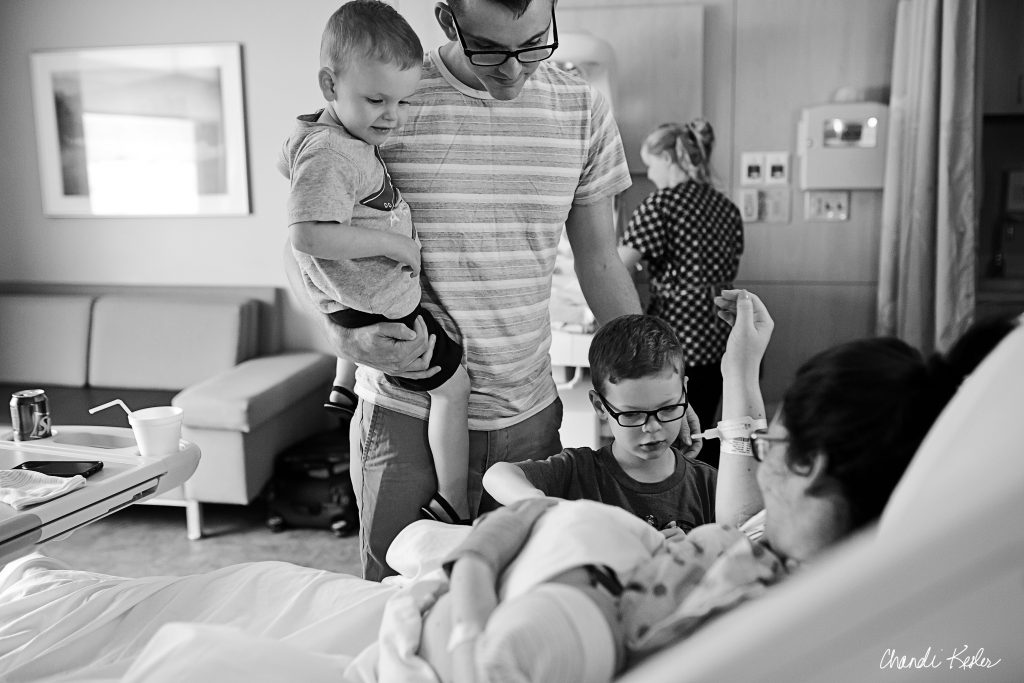 Labor and Delivery Photographer Bloomington IL | Birth photographer Bloomington IL | Chandi Kesler Photography | Birth Photographer Champaign IL